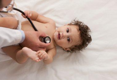 أشهر أمراض الصيف للأطفال